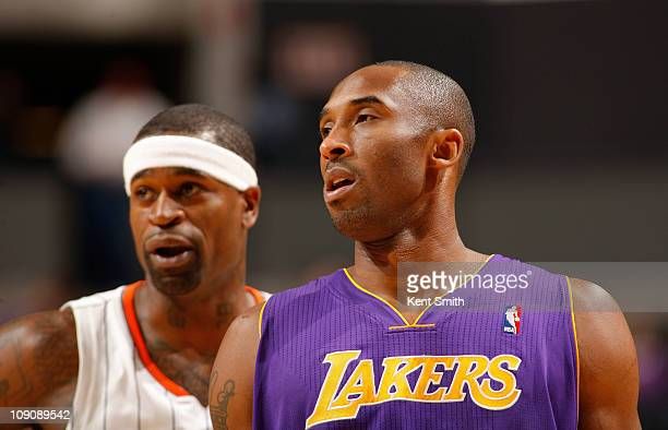 Stephen Jackson of the Charlotte Bobcats prepares to guard Kobe Bryant of the Los Angeles Lakers on February 14 2011 at Time Warner Cable Arena in...