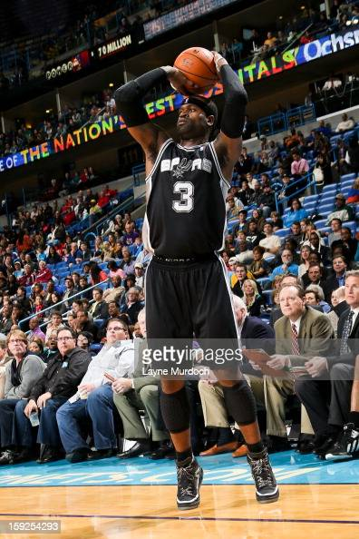 Stephen Jackson of the San Antonio Spurs shoots a threepointer against the New Orleans Hornets on January 7 2013 at the New Orleans Arena in New...