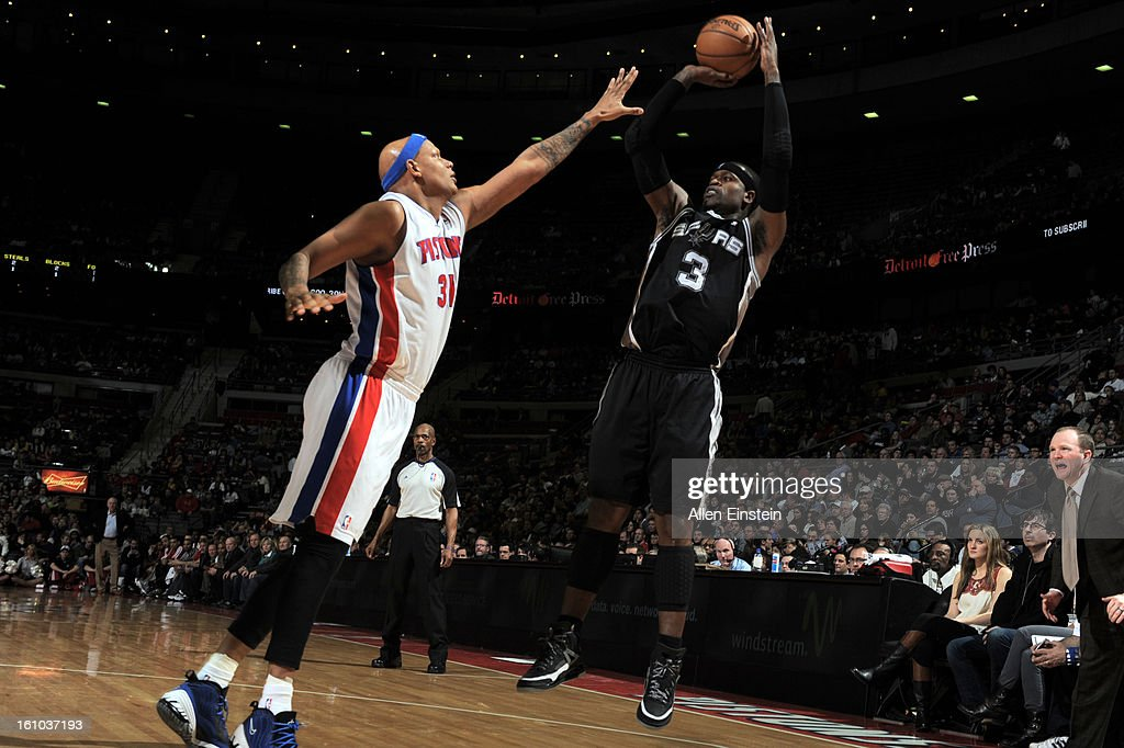 Stephen Jackson #3 of the San Antonio Spurs shoots against Charlie Villanueva #31 of the Detroit Pistons on February 8, 2013 at The Palace of Auburn Hills in Auburn Hills, Michigan.