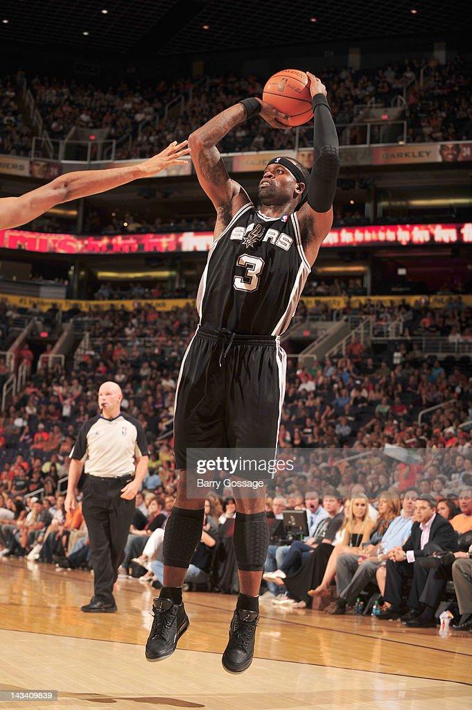 Stephen Jackson #3 of the San Antonio Spurs shoots against the Phoenix Suns on April 25, 2012 at U.S. Airways Center in Phoenix, Arizona.