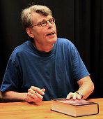 Stephen king promotes under the dome at barnes noble buckhead on 13 picture id93047844?s=170x170