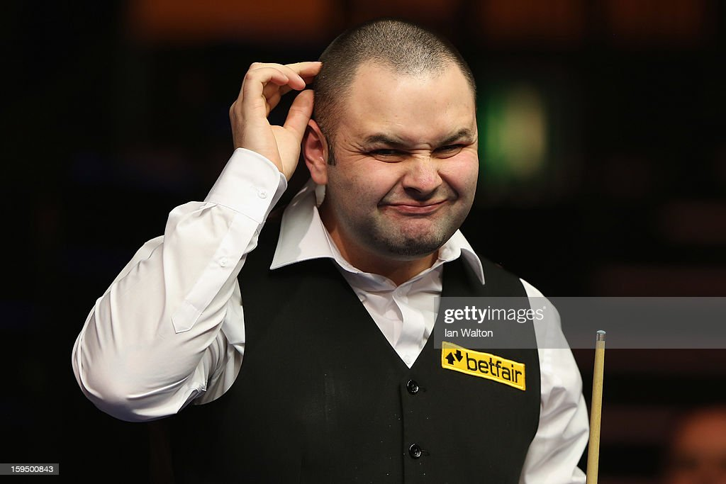<a gi-track='captionPersonalityLinkClicked' href=/galleries/search?phrase=Stephen+Maguire&family=editorial&specificpeople=676261 ng-click='$event.stopPropagation()'>Stephen Maguire</a> of Scotland looks on during his first round match against Graeme Dott of Scotland at Alexandra Palace on January 14, 2013 in London, England.
