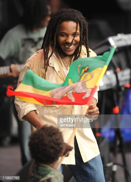 Stephen Marley performs on stage during Bonnaroo 2008 on June 13 2008 in Manchester Tennessee