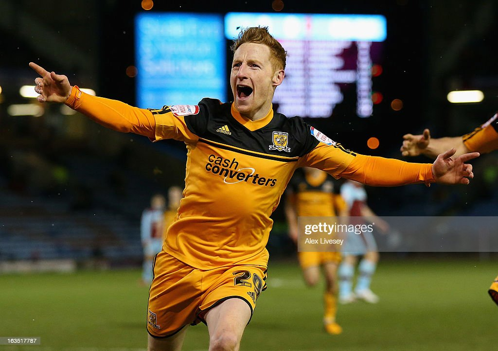 <a gi-track='captionPersonalityLinkClicked' href=/galleries/search?phrase=Stephen+Quinn+-+Soccer+Player&family=editorial&specificpeople=622061 ng-click='$event.stopPropagation()'>Stephen Quinn</a> of Hull City celebrates after scoring the opening goal during the npower Championship match between Burnley and Hull City at Turf Moor on March 11, 2013 in Burnley, England.