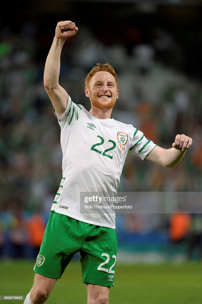 Stephen Quinn of Ireland celebrates victory after the UEFA EURO 2016 Group E match between Italy and Republic of Ireland at Stade Pierre-Mauroy on June 22, 2016 in Lille, France. Ireland won the match 1-0. (Photo by Bob Thomas/Popperfoto/Getty Images).