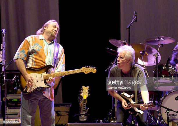 Stephen Stills and Graham Nash of Crosby Stills Nash