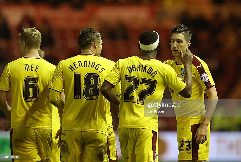 Stephen Ward of Burnley (R) celebrates his goal with team mates during the Emirates FA Cup third round match between Middlesbrough and Burnley at Riverside Stadium on January 9, 2016 in Middlesbrough, England.