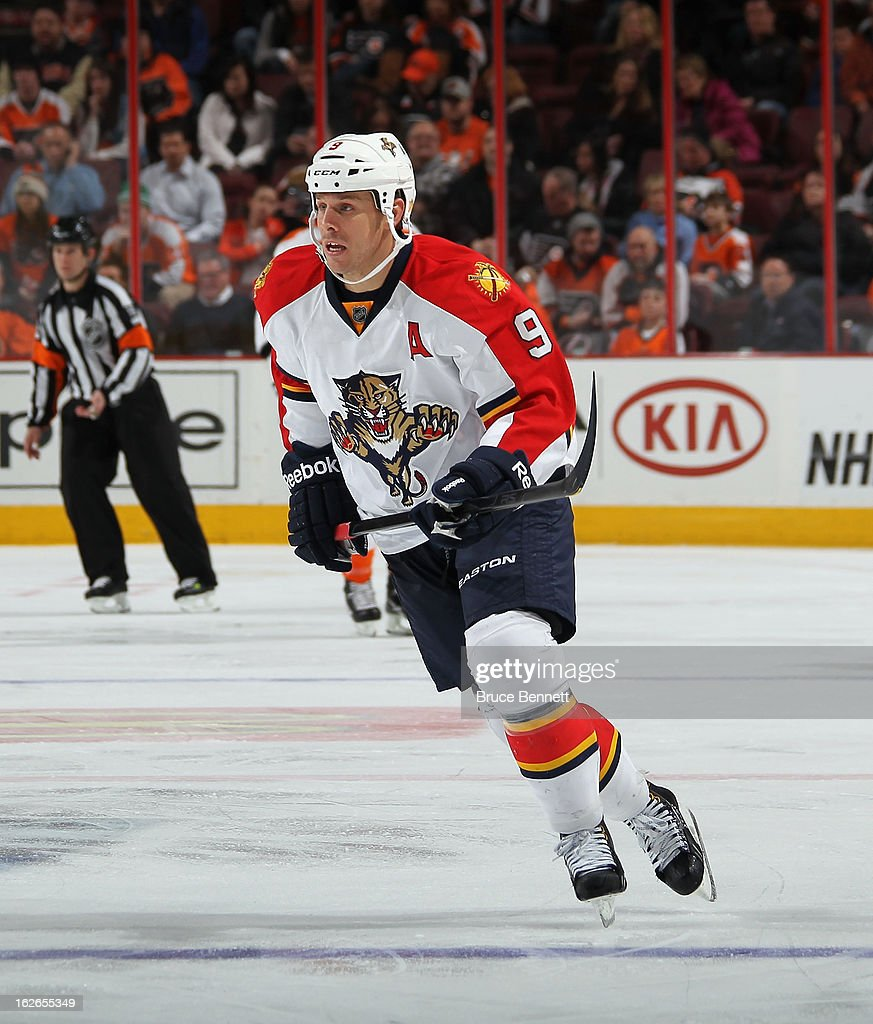 Stephen Weiss #9 of the Florida Panthers skates against the Philadelphia Flyers at the Wells Fargo Center on February 21, 2013 in Philadelphia, Pennsylvania.