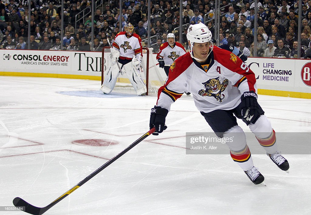Stephen Weiss #9 of the Florida Panthers skates against the Pittsburgh Penguins during the game at Consol Energy Center on February 22, 2013 in Pittsburgh, Pennsylvania.
