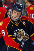Stephen Weiss of the Florida Panthers skates on the ice against the Atlanta Thrashers at the BankAtlantic Center on November 3 2010 in Sunrise Florida