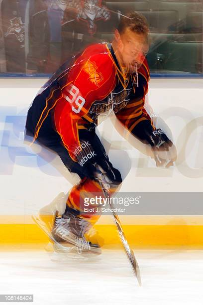 Stephen Weiss of the Florida Panthers skates on the ice prior to the start of the game against the Atlanta Thrashers at the BankAtlantic Center on...