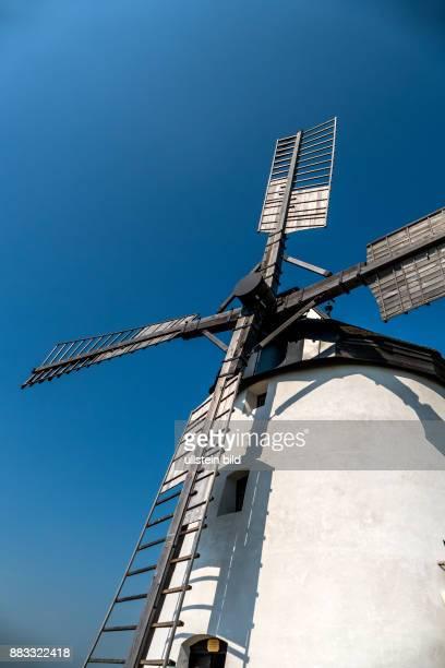 Österreich Niederösterreich Retz Das Wahrzeichen der Stadt ist die Windmühle