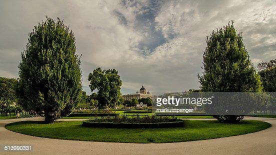 österreich Wien Volksgarten Und Rosengarten Stock Photo Thinkstock