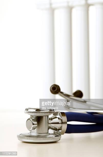 Stéthoscope et piliers