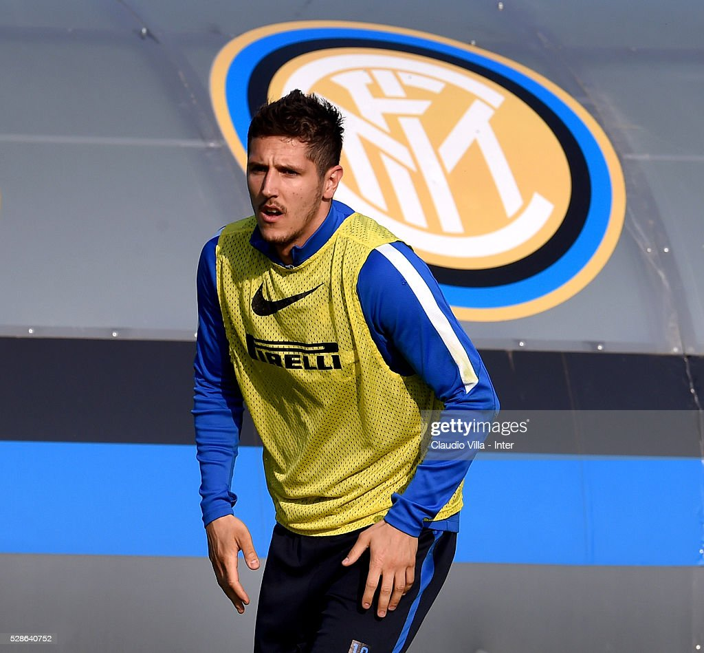 <a gi-track='captionPersonalityLinkClicked' href=/galleries/search?phrase=Stevan+Jovetic&family=editorial&specificpeople=4538822 ng-click='$event.stopPropagation()'>Stevan Jovetic</a> in action during the FC Internazionale training session at the club's training ground at Appiano Gentile on May 6, 2016 in Como, Italy.