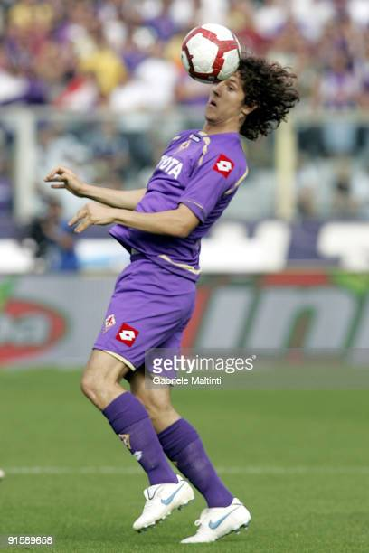 Stevan Jovetic of ACF Fiorentina controls the ball during the Serie A match between ACF Fiorentina and SS Lazio held at the Stadio Artemio Franchi on...
