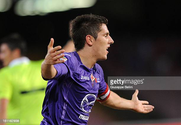 Stevan Jovetic of Fiorentina celebrates after scoring the 21 during the Serie A match between SSC Napoli and ACF Fiorentina at Stadio San Paolo on...