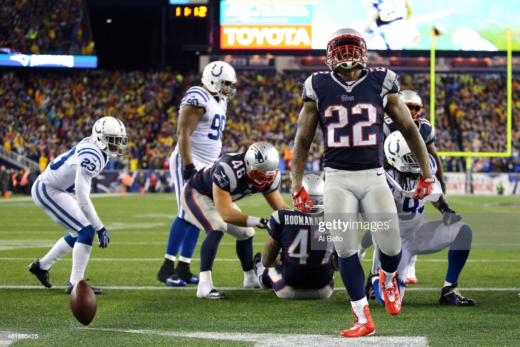 <a gi-track='captionPersonalityLinkClicked' href=/galleries/search?phrase=Stevan+Ridley&family=editorial&specificpeople=4674104 ng-click='$event.stopPropagation()'>Stevan Ridley</a> #22 of the New England Patriots celebrates after scoring a touchdown in the fourth quarter against the Indianapolis Colts during the AFC Divisional Playoff game at Gillette Stadium on January 11, 2014 in Foxboro, Massachusetts.