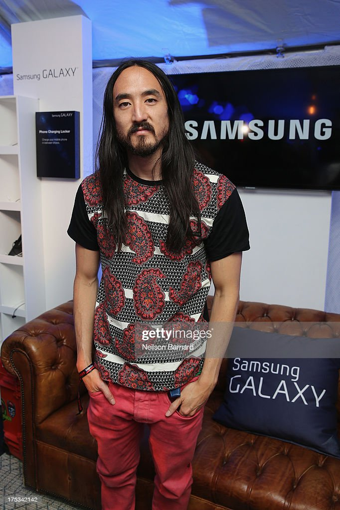 <a gi-track='captionPersonalityLinkClicked' href=/galleries/search?phrase=Steve+Aoki&family=editorial&specificpeople=732001 ng-click='$event.stopPropagation()'>Steve Aoki</a> attends the Samsung Galaxy Artist Lounge at Lollapalooza on August 2, 2013 in Chicago City.