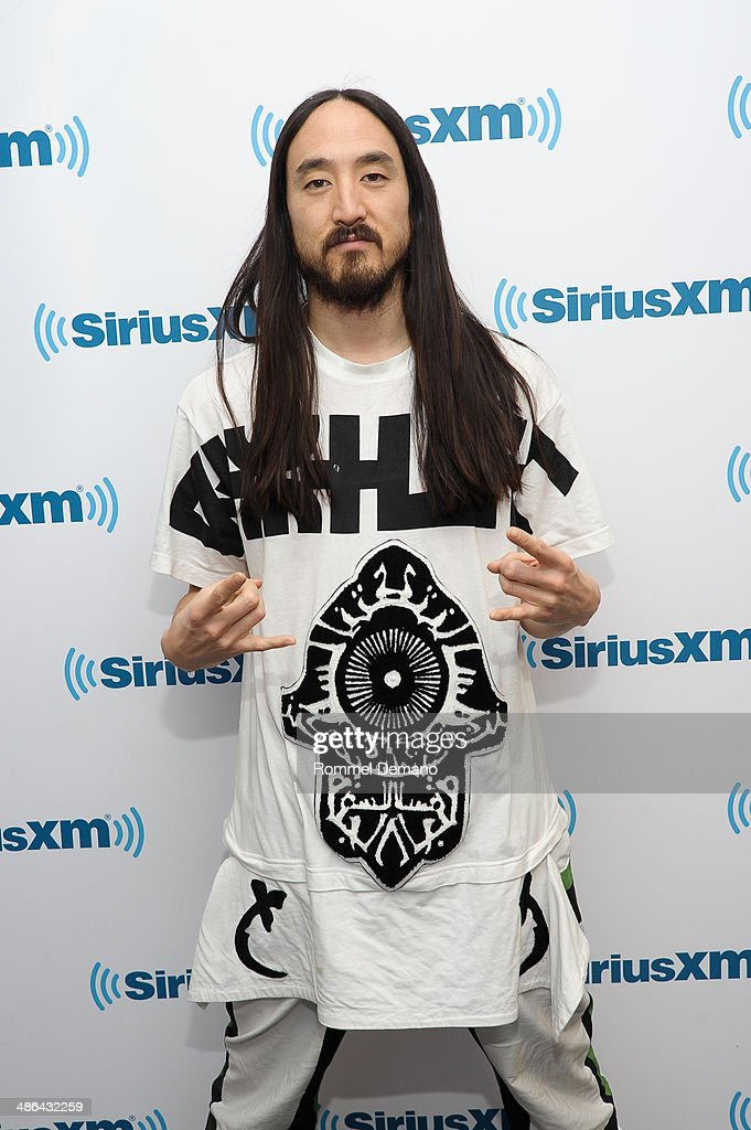 <a gi-track='captionPersonalityLinkClicked' href=/galleries/search?phrase=Steve+Aoki&family=editorial&specificpeople=732001 ng-click='$event.stopPropagation()'>Steve Aoki</a> visits at SiriusXM Studios on April 24, 2014 in New York City.