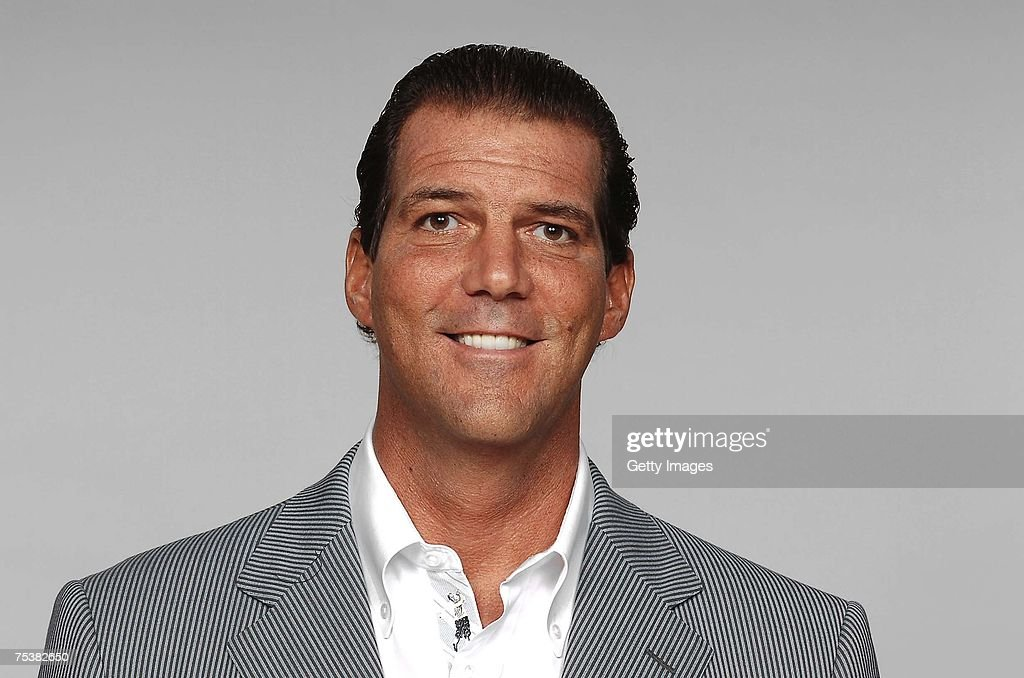 <a gi-track='captionPersonalityLinkClicked' href=/galleries/search?phrase=Steve+Bisciotti&family=editorial&specificpeople=3079316 ng-click='$event.stopPropagation()'>Steve Bisciotti</a> of the Baltimore Ravens poses for his 2007 NFL headshot at photo day in Baltimore, Maryland.