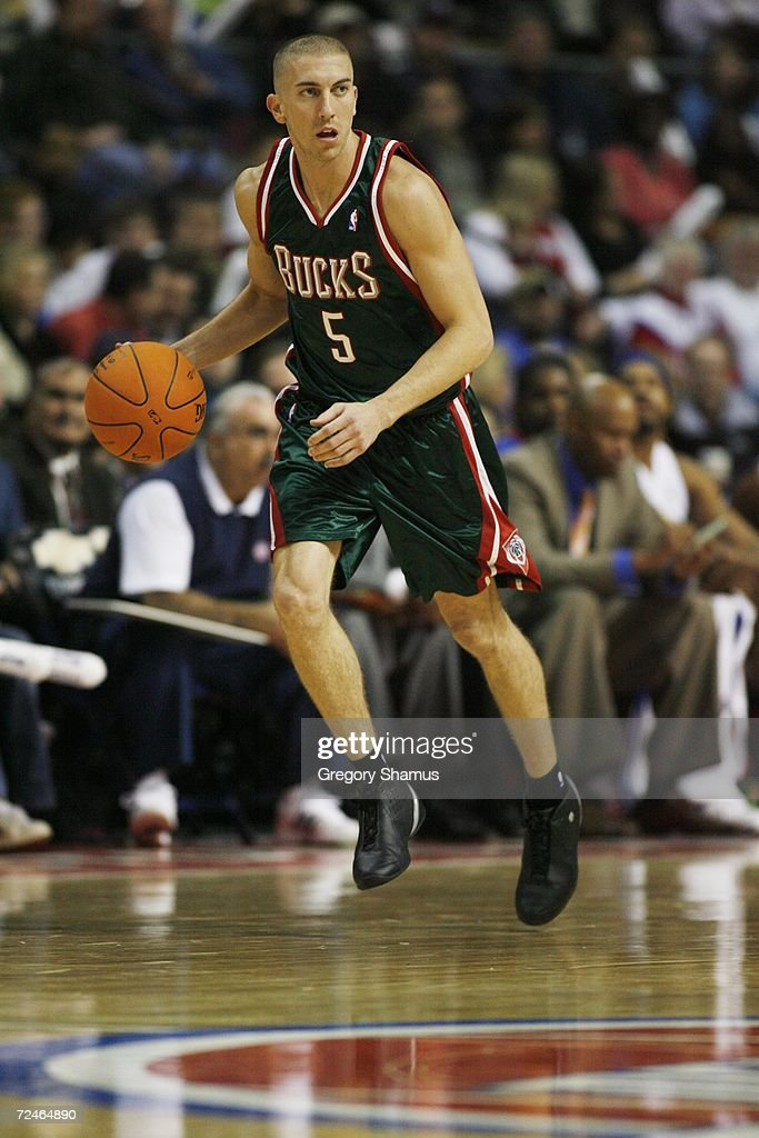 Steve Blake #5 of the Milwaukee Bucks dribbles against the Detroit Pistons on November 1, 2006 at the Palace of Auburn Hills in Auburn Hills, Michigan. Milwaukee won the game 105-97.