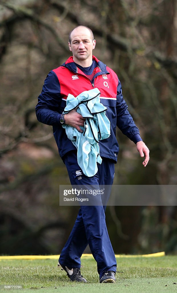 <a gi-track='captionPersonalityLinkClicked' href=/galleries/search?phrase=Steve+Borthwick&family=editorial&specificpeople=204426 ng-click='$event.stopPropagation()'>Steve Borthwick</a>, the England forwards coach looks on during the England training session held at Pennyhill Park on February 12, 2016 in Bagshot, England.