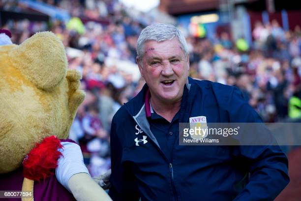 Steve Bruce manager of Aston Villa during the Sky Bet Championship match between Aston Villa and Brighton Hove Albion at Villa Park on May 07 2017 in...