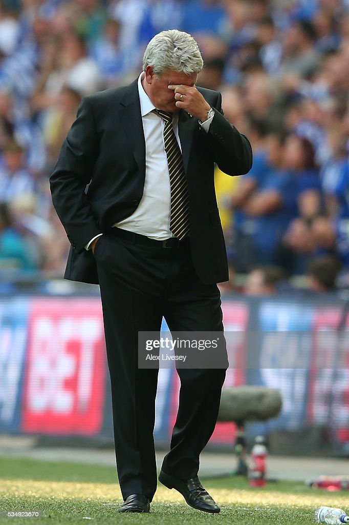 Steve Bruce, manager of Hull City shows the pressure during Sky Bet Championship Play Off Final match between Hull City and Sheffield Wednesday at Wembley Stadium on May 28, 2016 in London, England.
