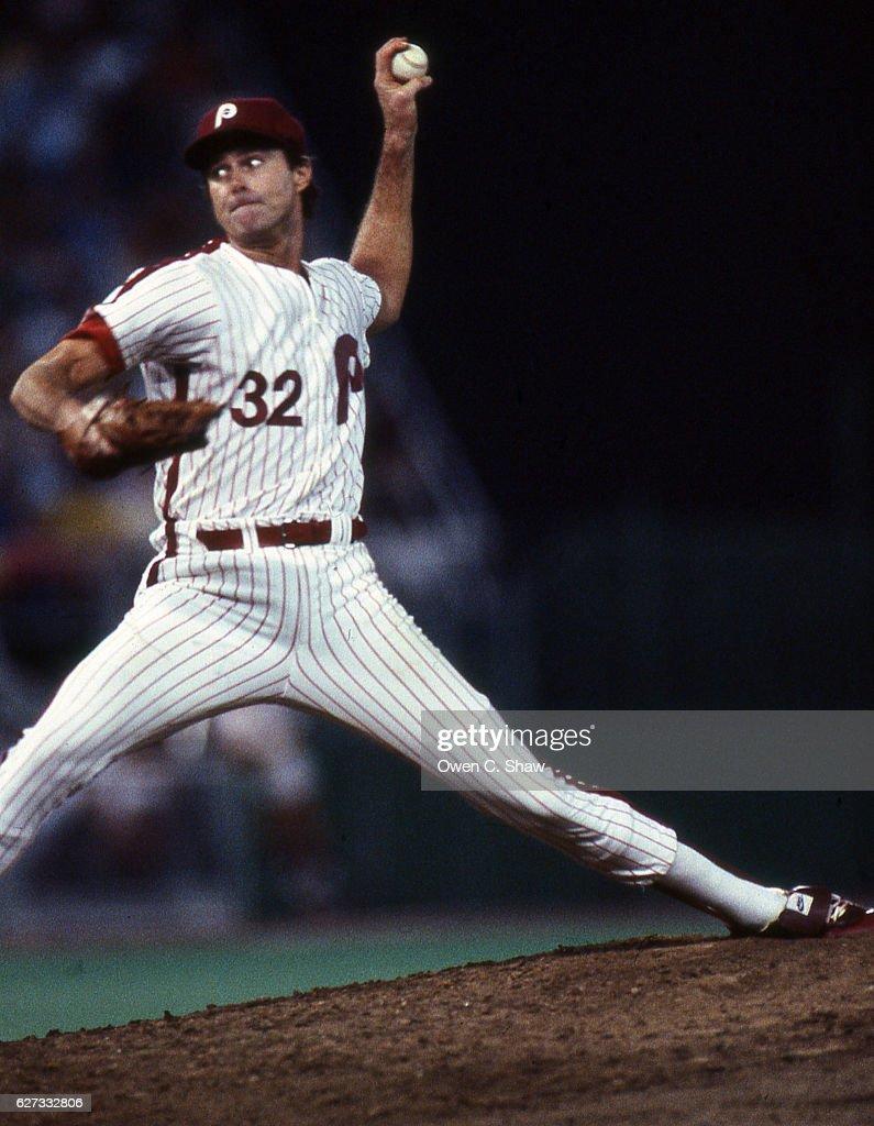 Steve Carlton of the Philadelphia Phillies circa 1983 pitches at Veterans Stadium in Philadelphia, Pennsylvania.