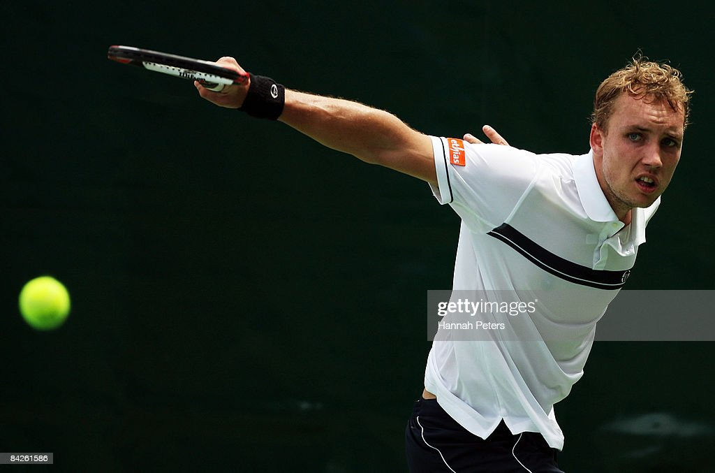 Steve Darcis of Belgium plays a backhand in his match against Yen-Hsun Lu of Chinese Taipei during day two of the Heineken Open at ASB Tennis Centre on January 13, 2009 in Auckland, New Zealand.