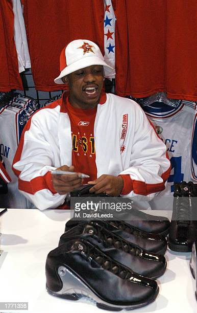 Steve Francis of the Houston Rockets signs autographs in the AEG Store during the 2003 NBA AllStar Weekend Jam Session on February 8 2003 at in the...
