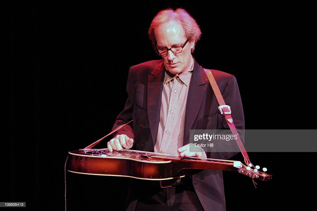 Steve Francis performs during the Music Saves Mountains benefit concert at the Ryman Auditorium on May 19, 2010 in Nashville, Tennessee.