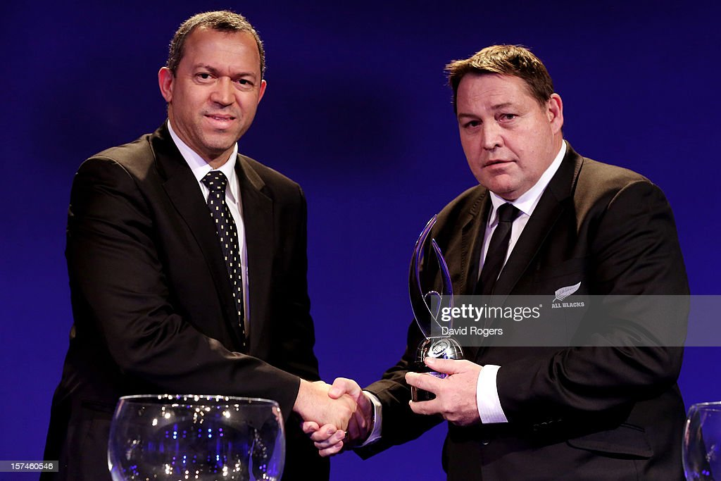 <a gi-track='captionPersonalityLinkClicked' href=/galleries/search?phrase=Steve+Hansen&family=editorial&specificpeople=228915 ng-click='$event.stopPropagation()'>Steve Hansen</a> (R) the head coach of New Zealand receives the Team of The Year award from Oregan Hoskins the President of SARFU during the IRB Rugby World Cup 2015 pool allocation draw at the Tate Modern on December 3, 2012 in London, England.