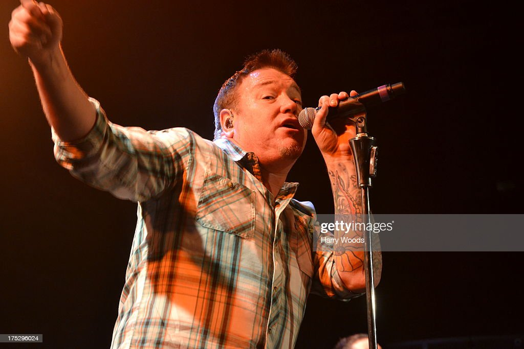 <a gi-track='captionPersonalityLinkClicked' href=/galleries/search?phrase=Steve+Harwell&family=editorial&specificpeople=225109 ng-click='$event.stopPropagation()'>Steve Harwell</a> performs with Smash Mouth during Bud Light Music First 50/50/1 on August 1, 2013 in Hampton, New Hampshire.