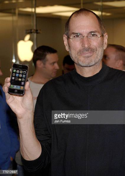 Steve Jobs Apple CEO at the launch of the exclusive iPhone on O2 at the Apple store on September 18 2007 Regents Street London