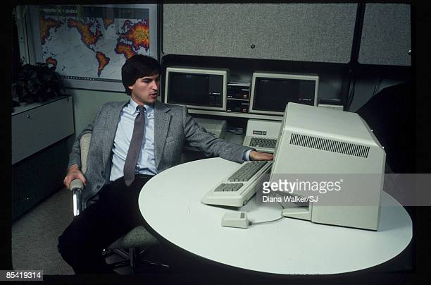 Steve Jobs sits with the new 'Lisa' computer at Apple Computer Co December 15 1982 in Cupertino CA IMAGE PREVIOUSLY A TIME LIFE IMAGE
