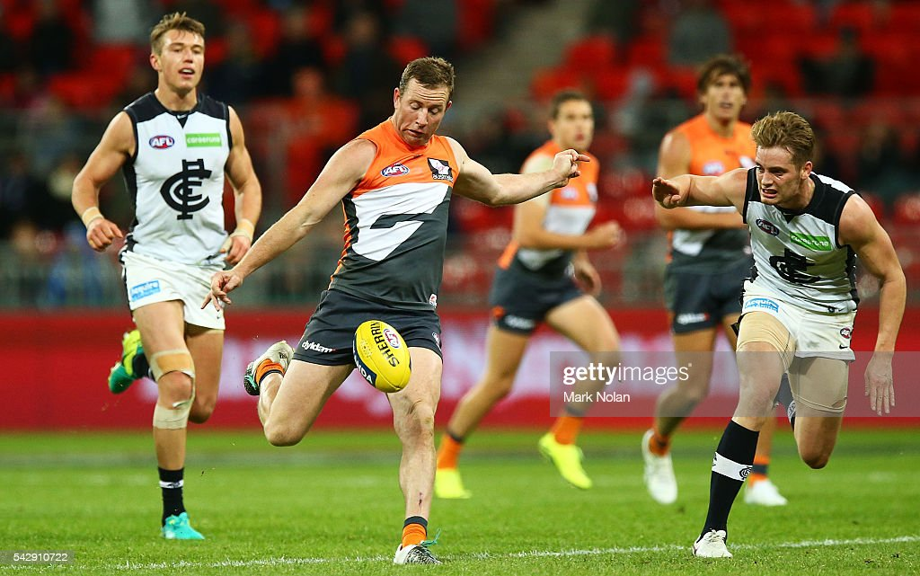 Steve Johnson of the Giants in action during the round 14 AFL match between the Greater Western Sydney Giants and the Carlton Blues at Spotless Stadium on June 25, 2016 in Sydney, Australia.