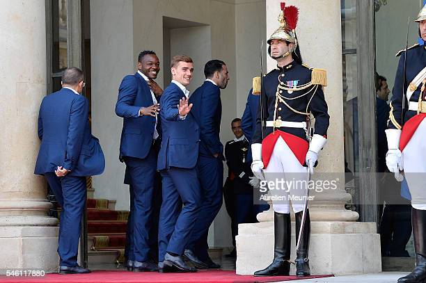 Steve Mandanda and Antoine Griezmann arrive at Elysee Palace as French President Francois Hollande receives the France Soccer team for a lunch on...