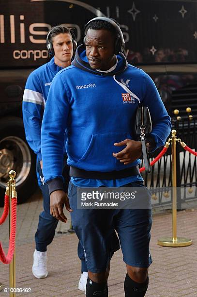 Steve Mandanda of Crystal Palace arrives at the stadium prior to kick off during the Premier League match between Sunderland and Crystal Palace at...