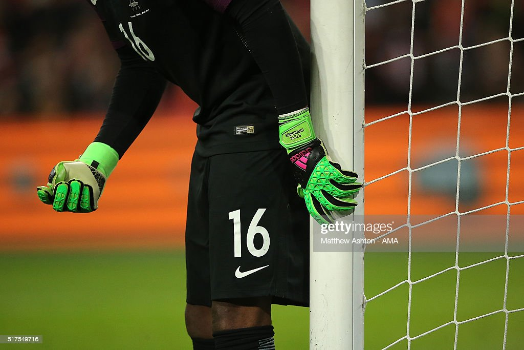 Steve Mandanda of France in action during the International Friendly match between Netherlands and France at Amsterdam Arena on March 25 2016 in...