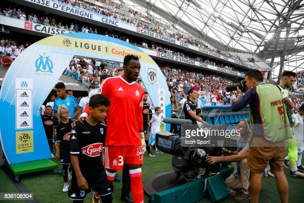 Steve Mandanda of Marseille during the Ligue 1 match between Olympique Marseille and Angers SCO at Stade Velodrome on August 20 2017 in Marseille