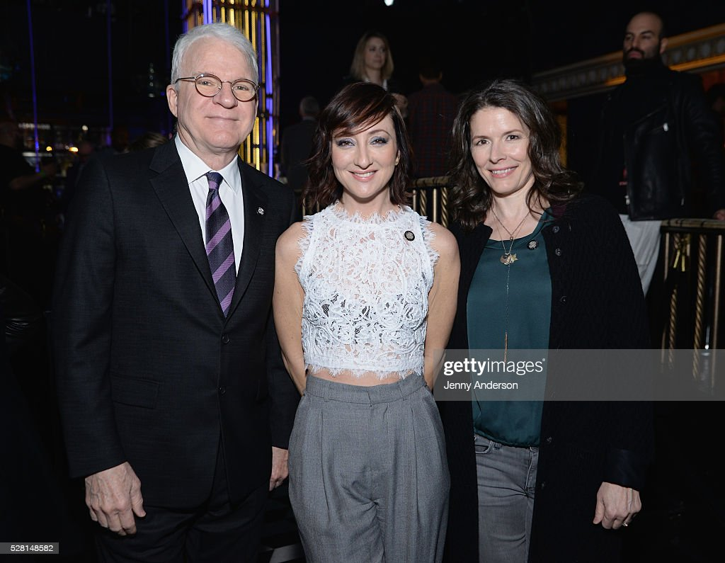 <a gi-track='captionPersonalityLinkClicked' href=/galleries/search?phrase=Steve+Martin&family=editorial&specificpeople=196544 ng-click='$event.stopPropagation()'>Steve Martin</a>, <a gi-track='captionPersonalityLinkClicked' href=/galleries/search?phrase=Carmen+Cusack&family=editorial&specificpeople=7032113 ng-click='$event.stopPropagation()'>Carmen Cusack</a> and <a gi-track='captionPersonalityLinkClicked' href=/galleries/search?phrase=Edie+Brickell&family=editorial&specificpeople=789872 ng-click='$event.stopPropagation()'>Edie Brickell</a> attend the 2016 Tony Awards Meet The Nominees Press Reception on May 4, 2016 in New York City.