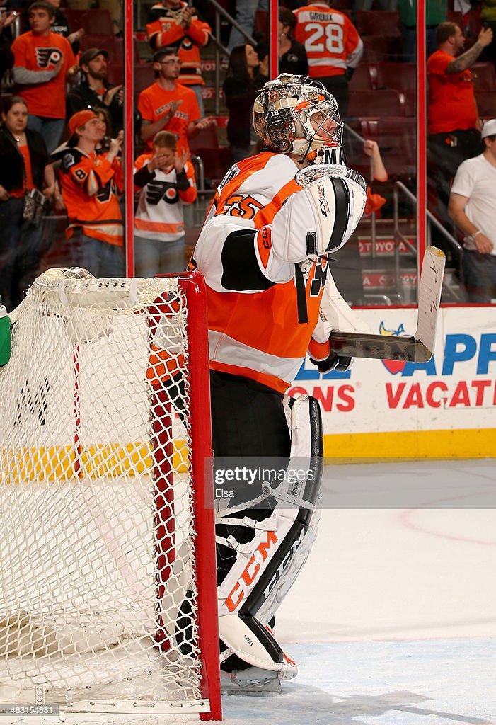 Steve Mason #35 of the Philadelphia Flyers celebrates the win at the buzzer at Wells Fargo Center on April 6, 2014 in Philadelphia, Pennsylvania.The Philadelphia Flyers defeated the Buffalo Sabres 5-2.