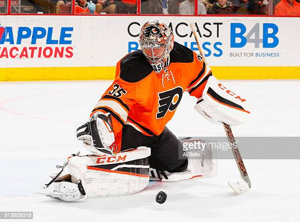 Steve Mason of the Philadelphia Flyers makes a save aginst the Columbus Blue Jackets during their game at the Wells Fargo Center on March 5 2016 in...