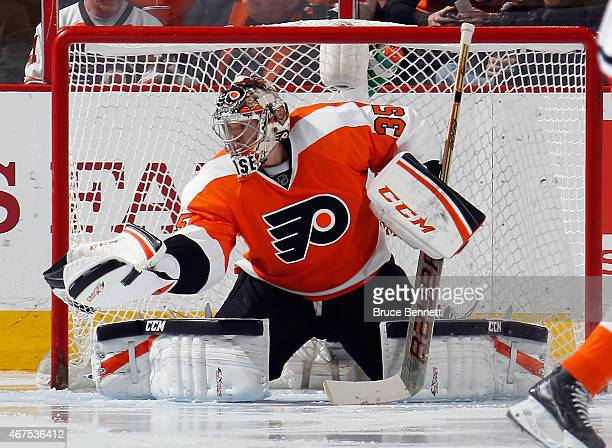Steve Mason of the Philadelphia Flyers makes the second period save against the Chicago Blackhawks at the Wells Fargo Center on March 25 2015 in...