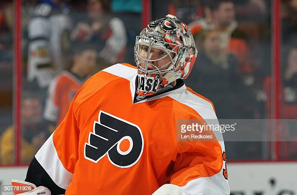 Steve Mason of the Philadelphia Flyers warms up prior to his game against the Boston Bruins on January 25 2016 at the Wells Fargo Center in...