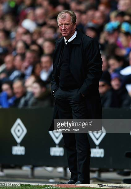 Steve McClaren manager of Derby looks on during the Sky Bet Championship match between Derby County and Reading at iPro Stadium on May 2 2015 in...