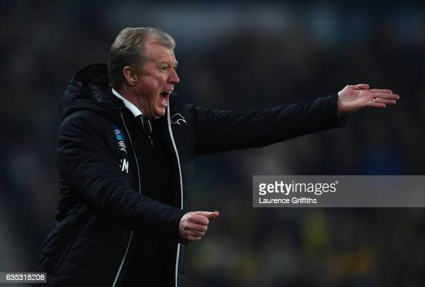 Steve McClaren of Derby County shouts instructions during the Sky Bet Championship match between Derby County and Cardiff City at iPro Stadium on...
