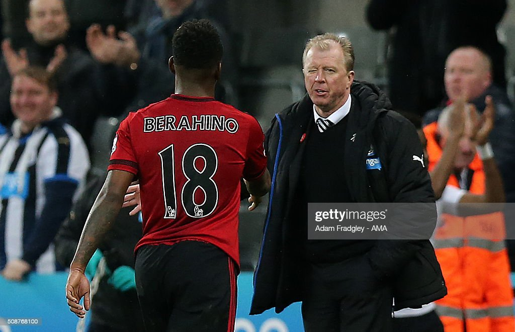 <a gi-track='captionPersonalityLinkClicked' href=/galleries/search?phrase=Steve+McClaren+-+Voetbalmanager&family=editorial&specificpeople=210864 ng-click='$event.stopPropagation()'>Steve McClaren</a> the head coach / manager of Newcastle United appears to wink at transfer target <a gi-track='captionPersonalityLinkClicked' href=/galleries/search?phrase=Saido+Berahino&family=editorial&specificpeople=6216861 ng-click='$event.stopPropagation()'>Saido Berahino</a> of West Bromwich Albion as the two shake hands after the final whistle during the Barclays Premier League match between Newcastle United and West Bromwich Albion at St. James Park on February 06, 2016 in Newcastle-upon-Tyne, England.